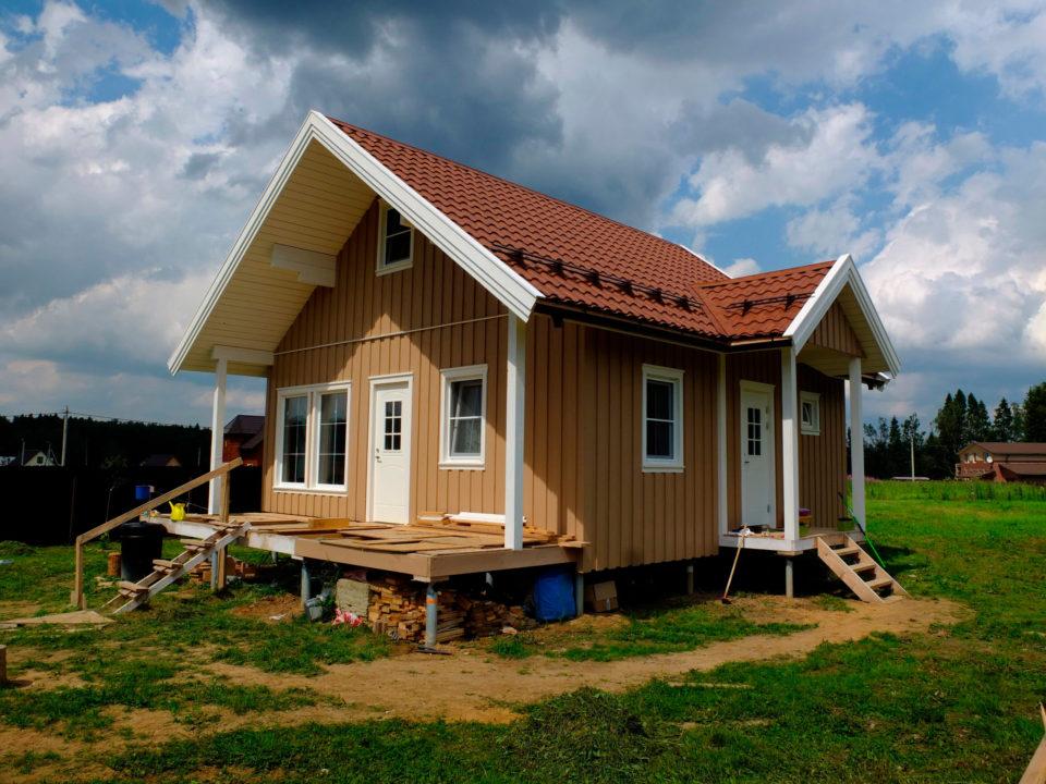 Финский каркасный дом летом